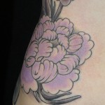 Choosing a flower tattoo according to the violet color